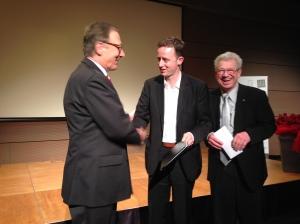 Preisverleihung durch den Heilbronner Oberbürgermeister Helmut Himmelsbach und den Vorsitzenden der VDI-Gesellschaft Energie und Umwelt, Prof. Hermann-Josef Wagner